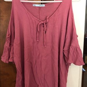 MAURICES Mauve open shoulder short sleeve
